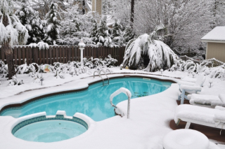 Preparing_your_pool_for_winter